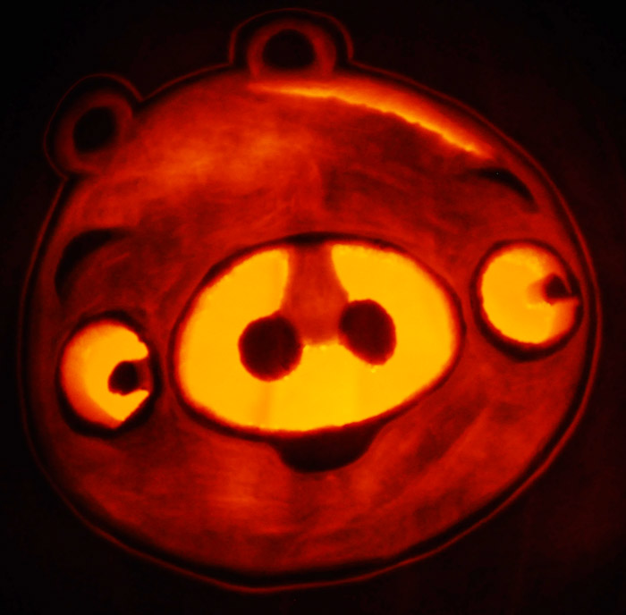 Pumpkin Carving: Angry Birds Pig - Justin